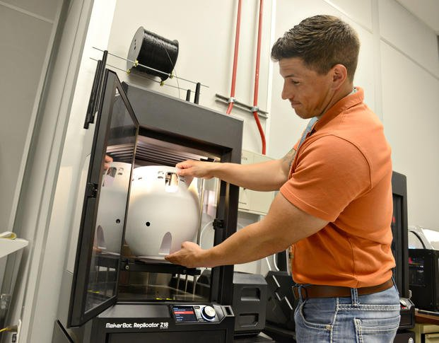 3-D Printing Is Changing Way Air Force Fixes Its Aging Planes